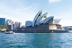 オペラハウスで知られるオーストラリア最大の都市。経済・文化の中心地として世界中から多くの人々が集まっています。