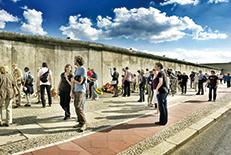 ドイツ再統一の象徴であるブランデンブルク門やペルガモン博物館、ベルリン大聖堂など、見どころ満載の首都。