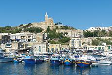 自然が手つかずのまま残るマルタの離島。静かで落ちついた雰囲気が漂い、最高のダイビングスポットとして有名です。