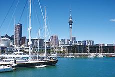ニュージーランドの玄関口として知られる北島の北に位置する国内最大都市。コンパクトながらも多彩な楽しみがあります。