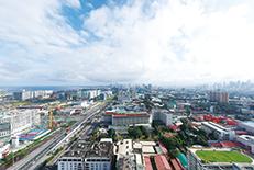 正式名は「メトロマニラ」と呼ばれる首都。国を挙げてエンタメ施設などを次々にオープンしており、活気があります。