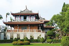200を超える寺廟や史跡がある古都。「食の街」としても有名で、多くの台湾小吃(小皿料理)がこの街から生まれました。
